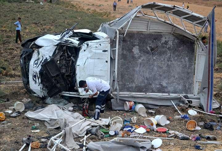 Hatay'da Feci Kaza 4 Kişi Hayatını Kaybetti